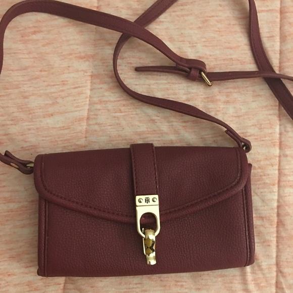 Tommy Hilfiger Handbags - Tommy Hilfiger crossbody women's bag